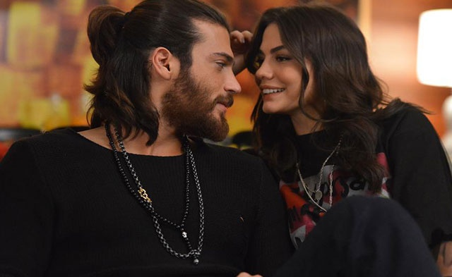 Can and Sanem in Erkenci Kuş