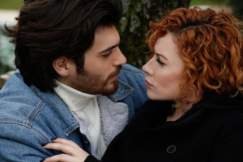 Can Yaman and Açelya Topaloğlu in İnadina Aşk