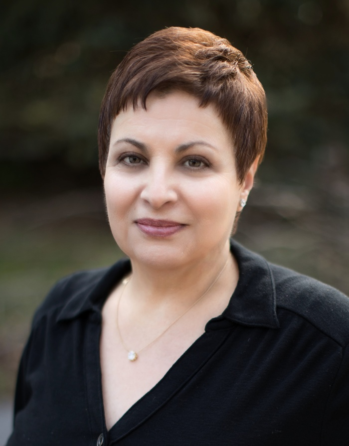 picture of Lisa Luciano - Author of The Chosen Ones